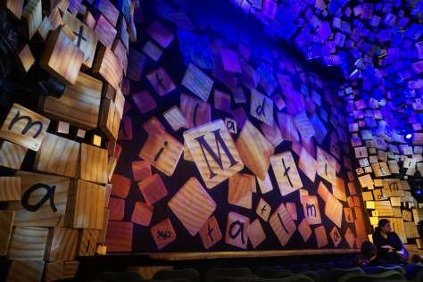 The curtain before the show Matilda.